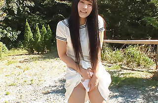 Strong outdoor sensations for horny Yui Kasugano